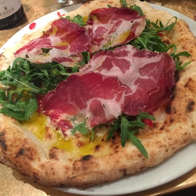 Tasty Italian pizza in Princi, London